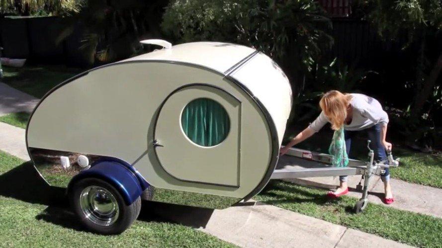 si vous pensez que cette caravane est trop petite regardez bien ce qui se cache l int rieur. Black Bedroom Furniture Sets. Home Design Ideas