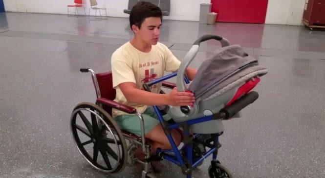 À 16 ans seulement, il invente un objet qui changera la vie de cette maman paraplégique