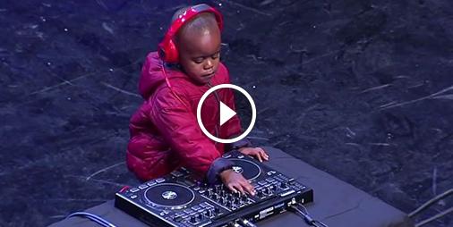 Un DJ de 3 ans fait vibrer le public d'Incroyable Talent en Afrique du Sud