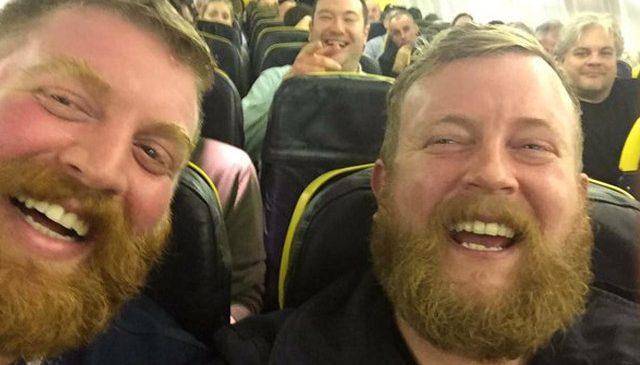 Un écossais rencontre son sosie parfait dans un avion