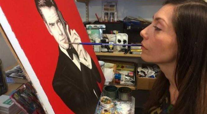 Elle parvient à peindre des tableaux dignes des plus grands maîtres avec sa bouche