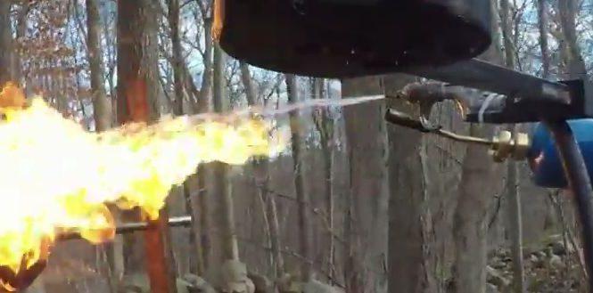 Un adolescent invente un Drone équipé d'un lance flammes