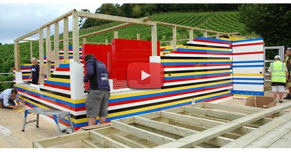 Il a construit une maison entièrement conçue avec des briques LEGO
