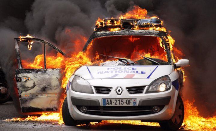 voiture brulée et tentative de meurtre lors de la manifestation de