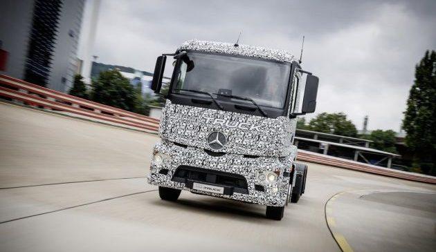 Mercedes-Benz présente son nouveau camion 100% électrique