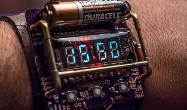 Apprenez à fabriquer une montre Retro Geek