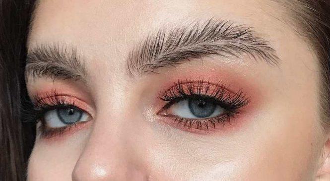 Instagram : Les sourcils feuilles, c'est la nouvelle tendance que personne n'attendait