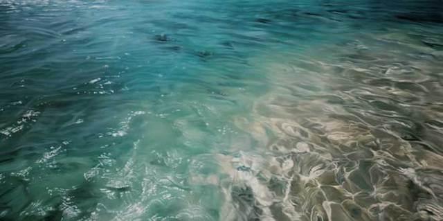 On pourrait croire que c'est l'eau d'une piscine mais regardez donc de plus près