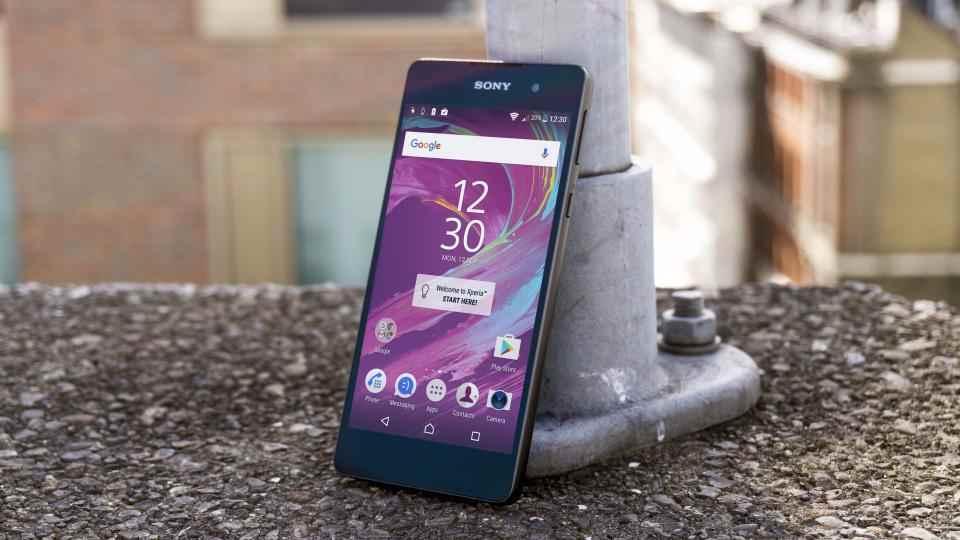 Sony xperia e5 un bon smartphone moins de 150 euros - Espionner portable sans y avoir acces ...