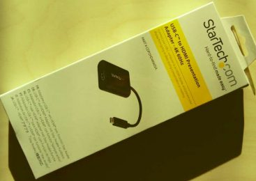 Un adaptateur USB-C vers HDMI prévu pour les présentations