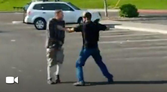 Un père de famille frappe un «malade» qui s'exhibait devant ses enfants dans un parc.
