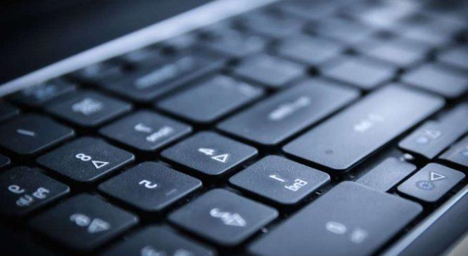 Comment nettoyer son clavier ? (PC bureau, Ordinateur portable et Mac)