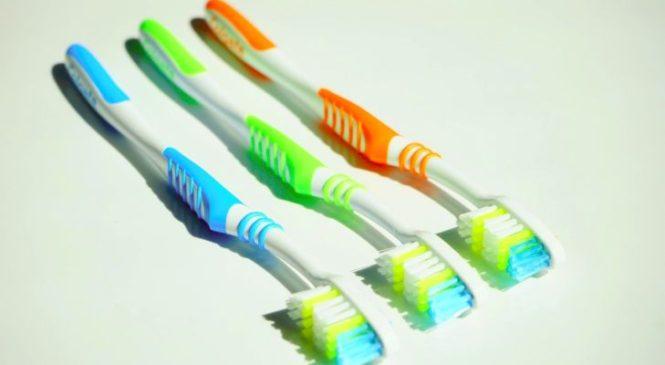 Comment désinfecter une brosse à dents ?