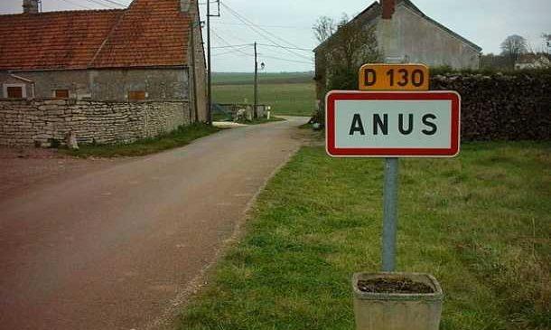 Top 30 des noms de villes françaises les plus insolites et drôles